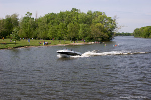Speedboat and Kayakers on Fox River   707191